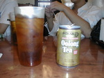 [Little Tokyoの日本食レストランで出てきた缶烏龍茶とコップ]